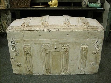 1000 Images About Trunk Makeover Ideas On Pinterest Shabby Chic Trunks