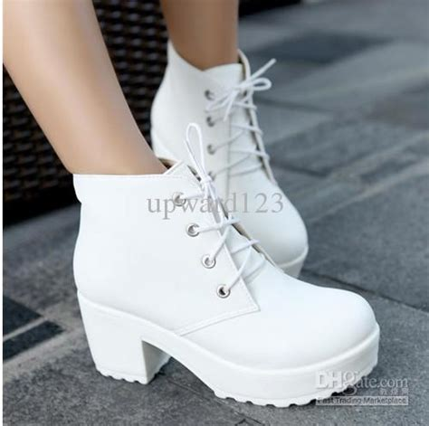 Sepatu High Heel Boots Fur Bulu2 Black White Stylish New Impor Locomotive Boots Platform Shoes Boots Chunky