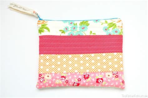 quilted zippered pouch pattern quilt as you go zipper bag the ribbon retreat blog