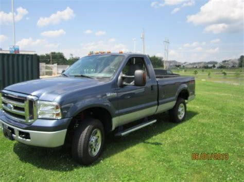 Sell used 2005 FORD F250 REG CAB 4X4 8FT BED CHEAP CHEAP