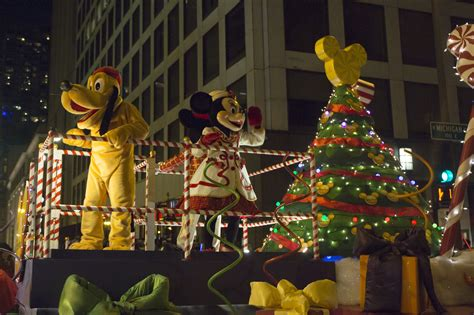 chicago lights festival 2017 chicago holiday lights parade decoratingspecial com