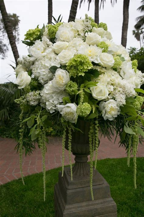 big wedding flower arrangements 25 best ideas about large flower arrangements on
