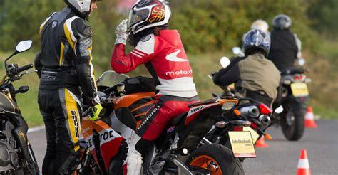 Motorrad Fahrtechnik by Dynamik Motorrad Gt Fahrtechnik