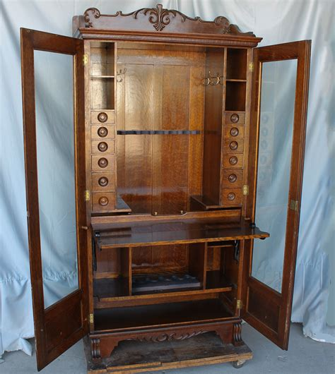Bargain John's Antiques   Antique Oak Gun Cabinet
