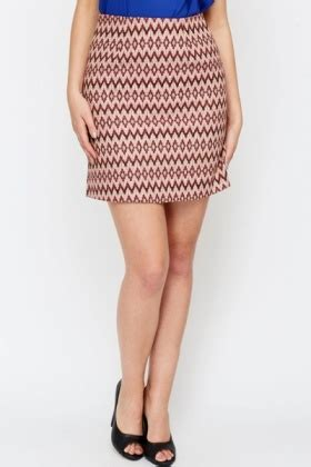 Zigzag Maroon zig zag maroon mini skirt just 163 5