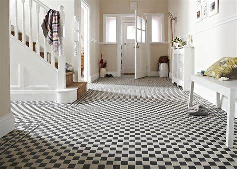 Victorian Black/White Border Tile   Topps Tiles