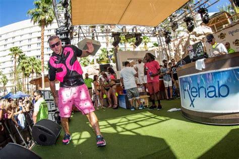Detox Las Vegas Nevada by Photos Riff Raff Entertains At Rehab