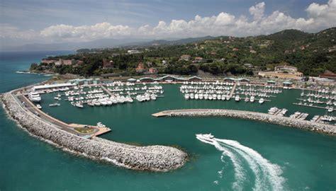 ristorante porto varazze a marina di varazze servizi personalizzati da grand hotel