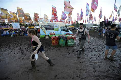 the at glastonbury glastonbury 2016 a festival of and mud al jazeera