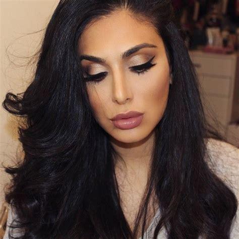 Huda Contour gold bronzy neutral lip contour and highlight huda kattan ideas