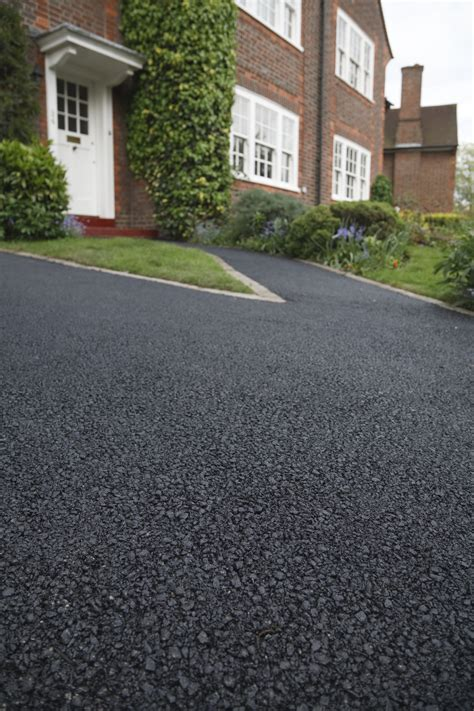 what makes a great asphalt driveway