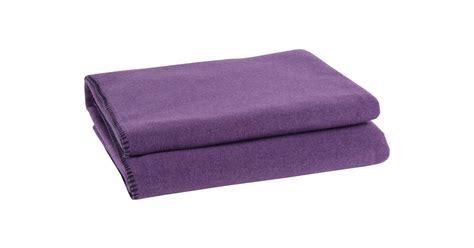 zoeppritz soft fleece decke 160x200 zoeppritz soft fleece blanket in eggplant interismo uk