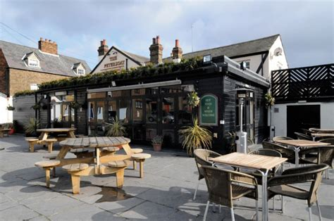 Dining Room Leigh On Sea by The Peterboat Leigh On Sea Essex Reviews Opening Times