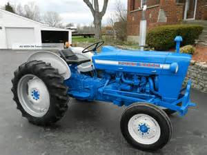 ford 2000 tractor gas 1826 hours