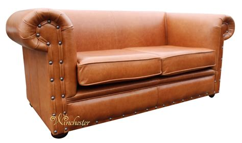 2 seater leather settee chesterfield decor 2 seater settee old english saddle