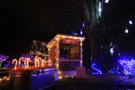oly lightstravaganza back to spread holiday cheer in