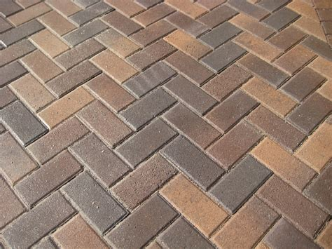 build contended and stunning patio and pathways with best brick paver patterns homesfeed