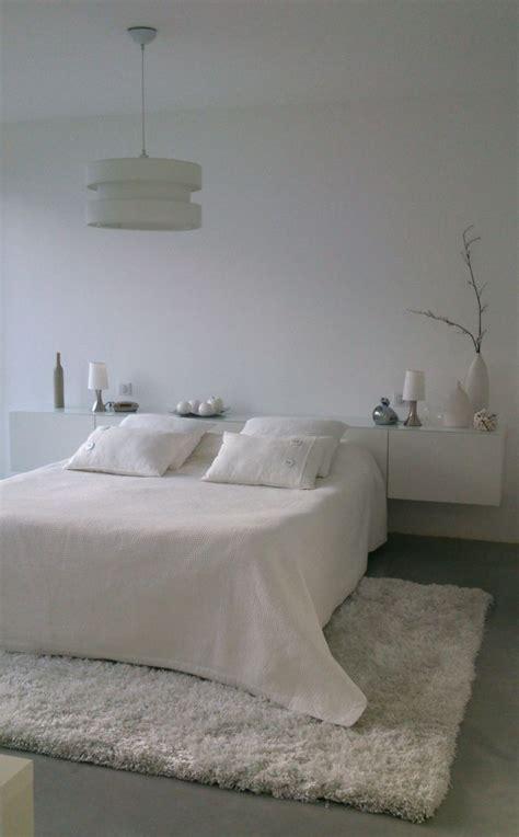 tapis de chambre adulte les 25 meilleures id 233 es concernant tapis sous le lit sur