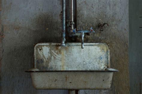 dirty bathroom signs how s business check the bathroom smartsign blog