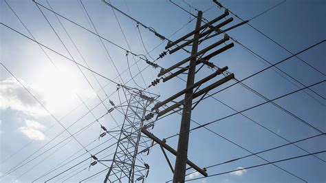 oncor street lights out berkshire hathaway nears deal to buy oncor the wall