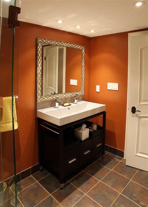 ванная современный интерьер открытая душевая кабина стеклянный душ точечное освещение