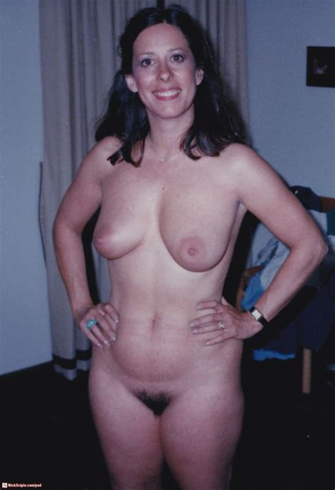 Smiling Nude Wife Xxgasm