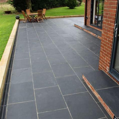 limestone patio pavers best 25 limestone paving ideas on fence