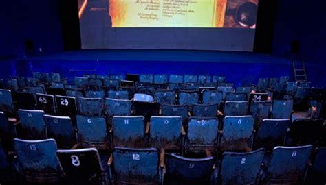 film yang ada di bioskop hari ini liburan natal di rumah film film ini masih ada di bioskop