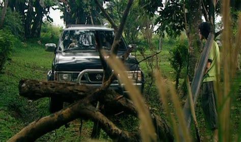 film horor kereta hantu manggarai imcdb org 1993 nissan terrano wd21 in quot kereta hantu