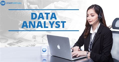 what does a data analyst do