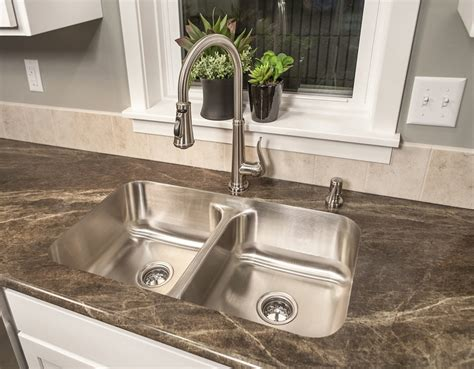 Double Bowl Undermount Kitchen Sink The Thoroughbred Pictures Of Undermount Kitchen Sinks