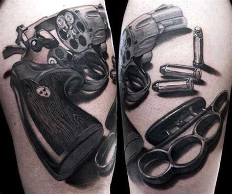 30 tatuagens de armas antigas pequenas de fogo