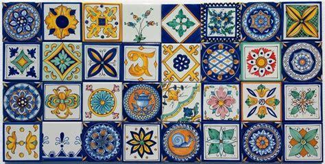 piastrelle siciliane decorate lotto patchwork 32 piastrelle decorate a mano cucina vietri