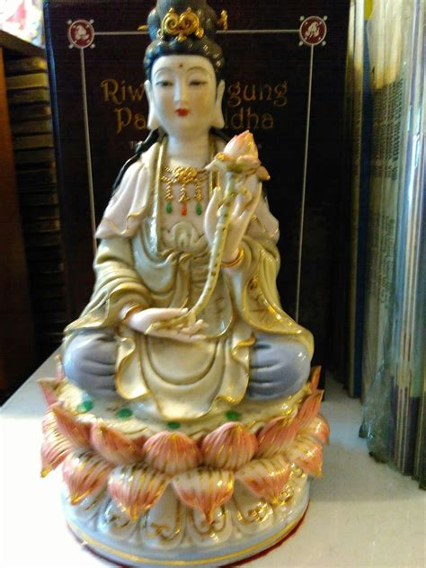 Pajangan Dewa Dewi jual patung dewi kwan im keramik dhammamanggala