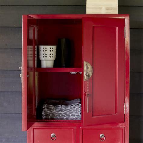 Kleiderschrank Rot by Kleiderschrank Rot Mahagoni 150 Yuki Tikamoon