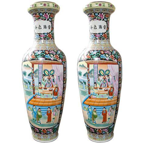 Oriental Floor Vases Large Pair Of Chinese Porcelain Floor Vases For Sale At