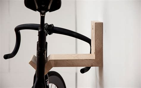 wood bike stand how to decorate a rocking horse how to diyでも作れそう シンプルな木製自転車ラックmake 住宅デザイン