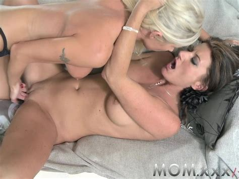 Mom lesbian milfs Eating Juicy Pussy Free Porn Videos Youporn