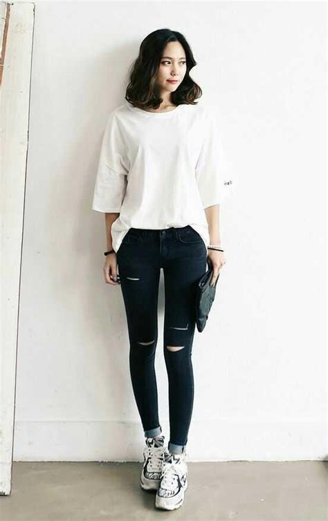 Kaos Never Look Back 8 typical korean dressing idea can be imitated