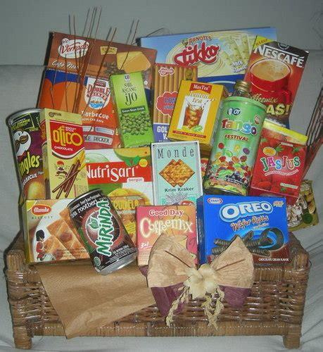 Tag Lebaran Isi 12 grosir parcel snack lebaran jual parcel murah toko