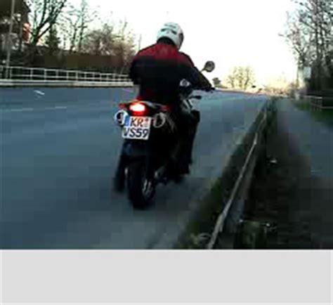 Motorrad Grundfahraufgaben Videos by Grundfahraufgaben Video Kl A Anfahren Steigung