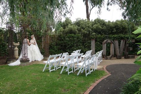 Melbourne Wedding Lakeside Garden Ceremony   Ballara