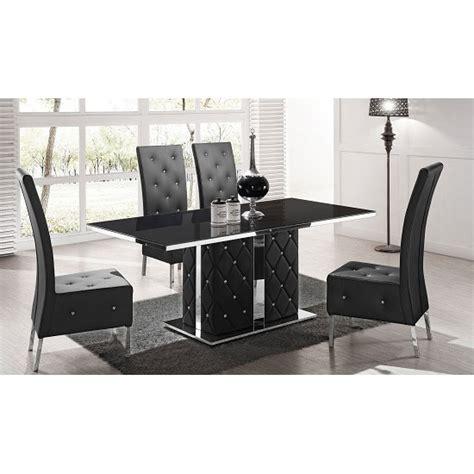 Store black gloss furniture