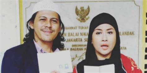 baru menikah baru menikah ria irawan kembali jalani pengobatan kanker