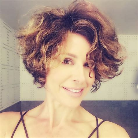 short and wavy hairstyles houston tx wavy curly short hair dominique s hair and make up picks