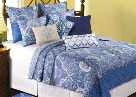 Blue Quilts And Comforters by Extraordinary Blue Paisley Bedding For Ordinary Bedroom