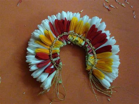 Flower Decoration Accessories by Bridal Hair Decoration With Fresh Flowers
