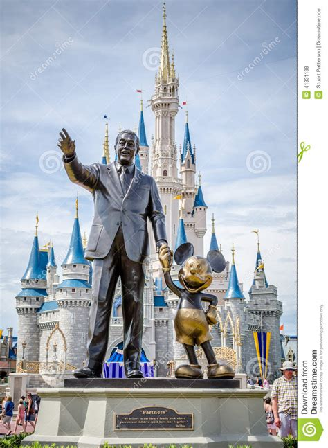 Etl Time Et With Walter walt disney et mickey mouse photo stock 233 ditorial image