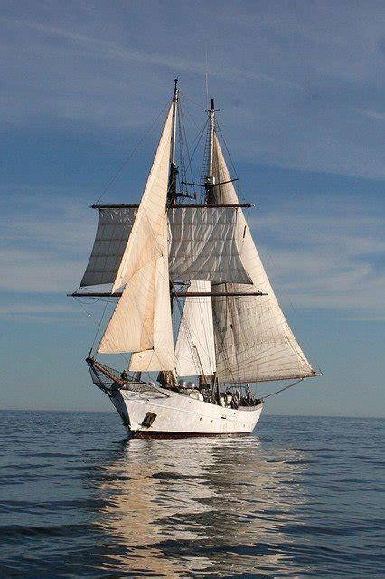 photo clipper sail boat ocean sea  image