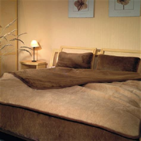 bettdecke 220x200 camel wool duvet quot quot 240x200 the world of wool
